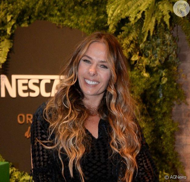 Adriane Galisteu volta à Record TV após 7 anos e irá assumir o
