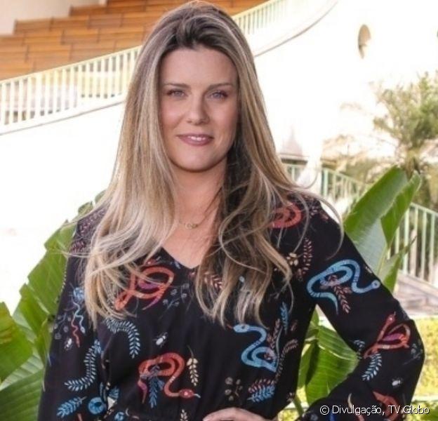 Daiana Garbin posa de biquíni 4 meses após filha nascer e web elogia: