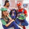Flavia Viana e Marcelo Zangrandi promovem festas de mesversário divertidas para o filho, Gabriel