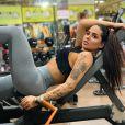 Perlla emagreceu 20 kg e exibe corpo sequinho em fotos nas redes sociais