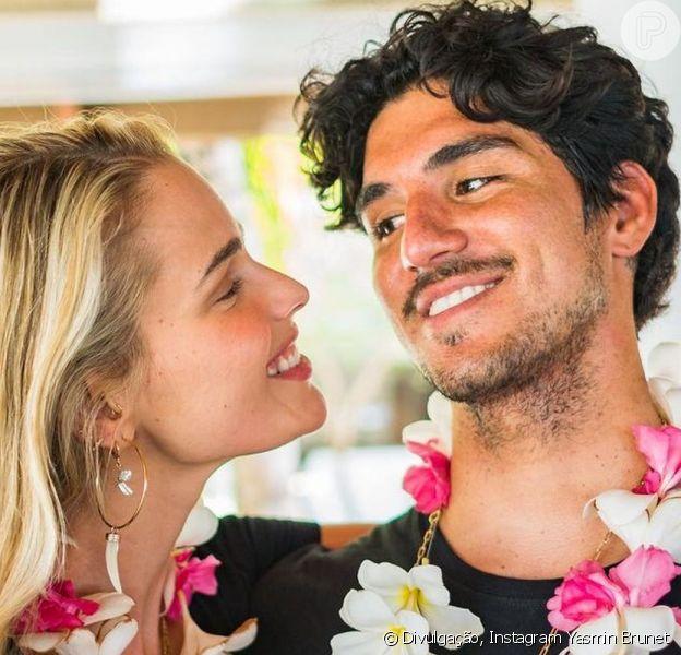 Yasmin Brunet e Gabriel Medina estão completando 1 ano juntos nesta quinta feira, 4 de março de 2021