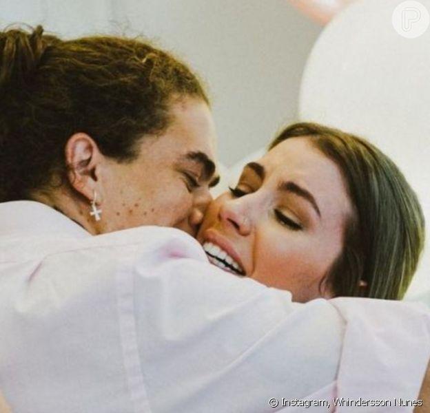 Maria Lina, noiva de Whindersson Nunes, revelou já morar com o youtuber, de quem espera o 1º filho do casal