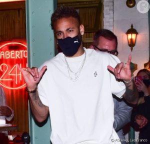 Neymar, ex BBB Gilberto, Munik Nunes, Flay e mais famosos são flagrados na saída do restaurante Paris 6, em São Paulo, na noite desta segunda feira, 24 de maio de 2021